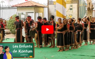 Unexpected bahnar folk dance in Hanoi