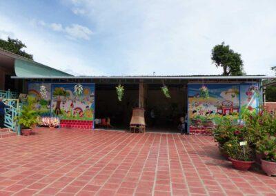 Les deux salles de classe pour Montagnards