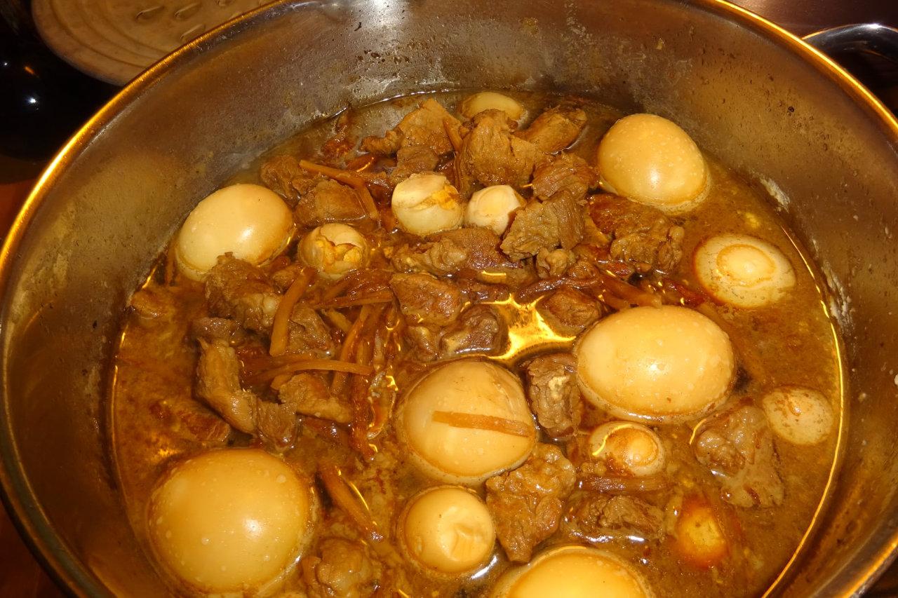 Recette du ragoût de porc au caramel et à l'œuf