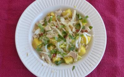 Salade vietnamienne de poulet à l'ananas
